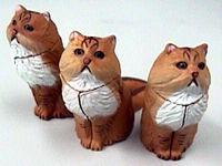 同じ猫が3つも(--;)