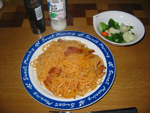 スパゲティナポリタン,温野菜サラダ