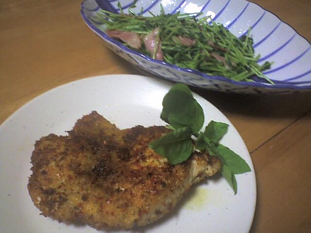 チキン香味焼き,豆苗とベーコンの炒め物